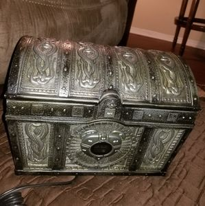 Pirates of the Caribbean CD chest player
